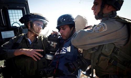 اعتداء على صحفيين 15-02-2016Assaults on Journalists 15-2-2016הפרות כלפי עיתונאים  15-02-2016 Assaults on Journalists 15-2-2016Нарушение прав журналистов 15-2-2016