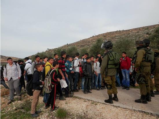 اعتداء على متضامنين 1-5-2015Assaults on Foreign Activists 1-5-2015התעללות במזדהים  01-05-2015Нападение на активистов 01-05-2015